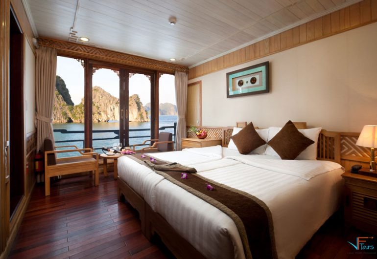 pelican cruise halong 2days 1night