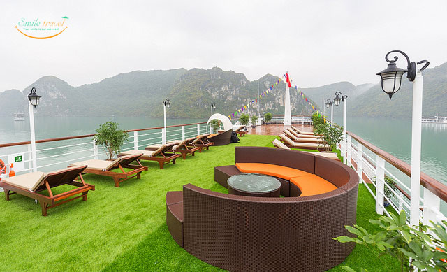 mon cheri cruises Halong Bay- Lan Ha Bay