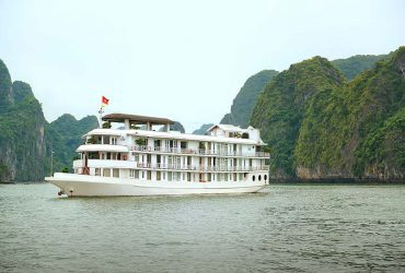 la vela classic cruise halong bay tour