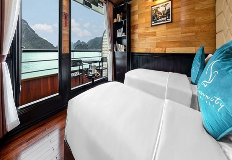 Halong Serenity Cruises-smiletravel