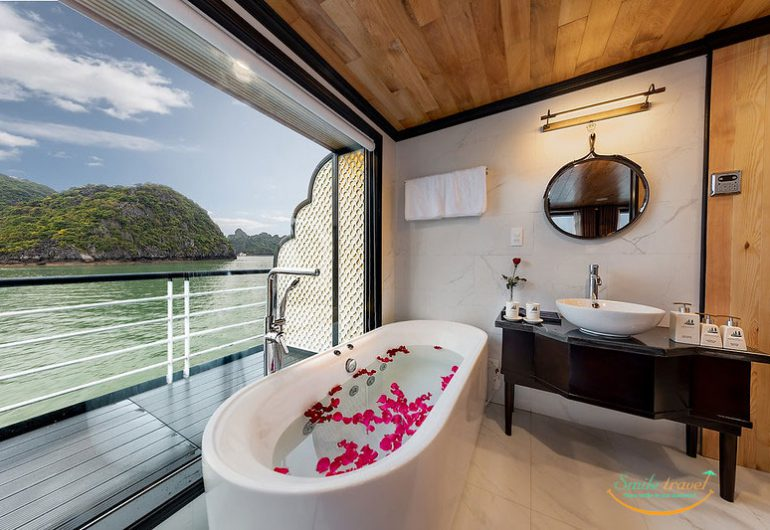 Halong La Casta Cruises is high quality 5-star cruise line operating in Halong Bay- Lan Ha Bay.