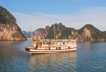 黄金之星游轮游览下龙湾 - 微笑旅游 +84 941776786